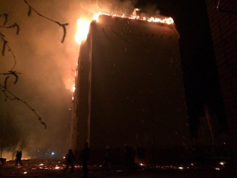 Впожаре вмногоэтажке под Новгородом сгорело 12 квартир