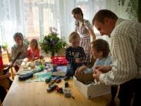 Папа, мама, пять детей  и домострой