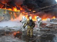 ЧП на «Волне»: пожар локализован, передвижная лаборатория замеряет уровень ПДК вредных веществ