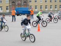 Весна, дети, велосипед
