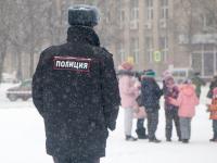 Сергей Бусурин взял на особый контроль ситуацию с минированием школ