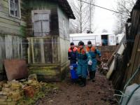 Наводнение: на помощь новгородским спасателям прибыли питерские коллеги